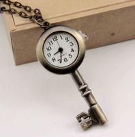 Los bolsillos de los estudiantes de moda más nuevos Relojes de acero inoxidable Llantas lindas Relojes de latón antiguo Patrón de llave Collar de bolsillo Rang Colgante para mujeres Hombre