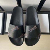 2021 Женщина / Человек Сандалии Качество Стильные тапочки Мода Классики Сандалии Мужчины Женщины Тапочки Плоские Обувь Слайд ЕС: 35-45 С Коробка Shoe02 078