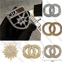 Alta Qualidade Designer Broche Diamante Broches Designer Jóias Pearl C Letter Brooch Pins Elegant Moda Mulheres Traje