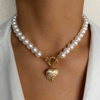 Pendant necklaces Iparam Vintage Wedding Pearl Choker Chain For Women Geometric Heart Coin Lock Hanger Chains Jewelry Collier The Pearls J0722