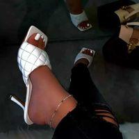여름 여성 스퀘어 발가락 샌들 숙녀 PU 가죽 격자 무늬 얇은 하이힐 슬리퍼 여성 패션 여자 신발 CX200715