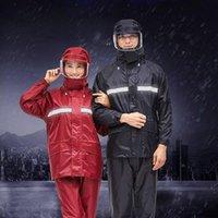 Yağmurluklar Motosiklet Rider Yağmurluk Suit Geçirimsiz Kadınlar / Erkekler Kask Kapaklı Moto Panço Rainwear Yürüyüş Balıkçılık Yağmur Dişli