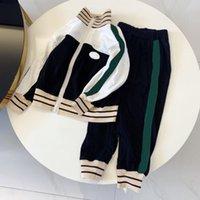 Designers casuais crianças conjuntos de roupas carta imprimir meninos meninas jaqueta casaco calças tracksuits manga comprida crianças outdoor crianças hoodie terno bebê bo