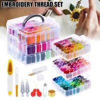 Ensemble de fil de broderie de broderie comprenant 150 couleurs de filetages avec boîte de rangement transparent de 3 niveaux transparent outils de point de couture