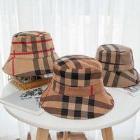 21ss 5 ألوان دلو قبعة واسعة بريم القبعات الجلد المدبوغ النسيج الأزياء شريط العلامة التجارية مصمم النساء نايلون الخريف الربيع طوي الصياد الشمس كاب السفر ظلة سفر هبوط السفينة