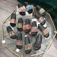 Hombres Mujeres Zapatillas Diseñador Diapositivas de goma Sandalias Floraciones planas Fresa Tigre Bees Verde Rojo Rojo Web Zapatos de Moda Playa Flip Flops Box Flor 35-48