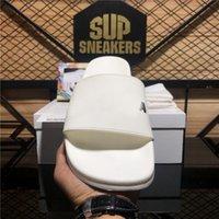 Top Quality Paris Mens Moda para mujer Slipper Slipper Slips Sandal Sandals Sandalias de Goma Sandalias Playa Fashions Scoffs Zapatillas de espuma de espuma interior Zapatillas de deporte con caja