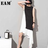 [EAM] Spring Summer Stylish Black White Hit Color O-neck Sleeveless Asymmetrical Spliced 2 Piece Sit Dress 45491 210608
