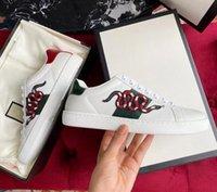 Diseñador de lujo moda hombres mujeres zapatos blancos abeja serpiente tigre zapato informal zapatillas de cuero genuino zapatillas de deporte bordado de zapatillas de deporte clásico de Python Sneaker con caja