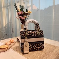 Marca de luxo Saco personalizado exclusivo + bolsa de pacote Textura elegante wen wan, sênior leopardo grão design d sacs artísticos letras moda totes