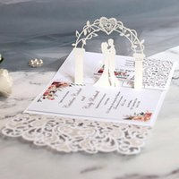 Tarjetas de felicitación 1 unid Ejemplo europeo Láser Corte Invitaciones de boda Tarjeta 3D Tri-Fold Lace Heart Elegant Decoration