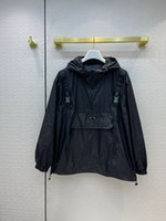 Milan Pist Coats 2021 Uzun Kollu Kapşonlu Kadın Mont Tasarımcı Mont Marka Aynı Stil Ceketler 0426-1