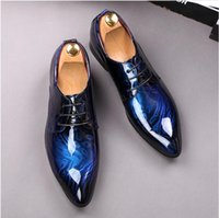 2021 Venta caliente Versión de lujo Vestido de negocios Hombres Zapatos formales Boda Punta de punta Moda Zapatos de cuero genuino para hombre Pisos Oxford
