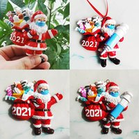 2021 New-band Christmas Decorations Pendant Resin Party Favor Crafts Hand-painted Santa Claus Gift Wearing Masks Epidemic Prevention Gifts