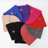 أزياء قبعة قبعة محبوك كاب الجمجمة قبعات للرجل إمرأة دافئة مع القلب الحافز القبعات 9 اللون أعلى جودة
