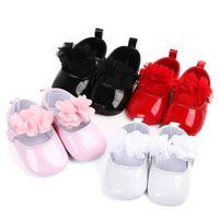 Baby Girl Принцесса PU Кожаные Обувь с Цветами Младенческие Мягкие Единственные Первые Уокеры Весна Лето Бребе Кроватки Обувь Патентная Кожа 2121 Z2