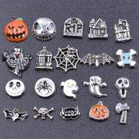 Charms Mélanger Styles Halloween Styles Pumpkin Spider Web Ghêne Flottant Handraft Skull Bat Pendentif à l'intérieur Colliers de médaille Bijoux