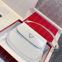 2021 Frauen Umhängetaschen Handtasche Frauen Luxurys Designer Taschen Hobo Rucksack Taschen Cleo mit Klappe gebürstet Leder Designer Brieftasche 2104132l