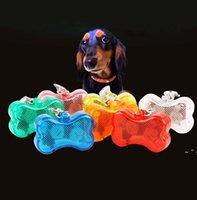 أدى الحيوانات الأليفة قلادة العلامة الإضاءة مصباح ضوء الكلاب جرو الحيوانات الأليفة اكسسوارات المعلقات اللمعان المفاتيح فلاش الكلب العلامات OWA5149