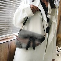 2021 Crossbody Saddle Bag Роскошный дизайнер Mini Tote Женщины Название Бренда Кошельки Сумки на плечо Женская Модная сумочная сумка Модные сумочки для дам Дизайнеры Стильные сумки