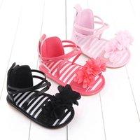 Nouveau-né Premiers Walkers Chaussures Toddler Girls Enfant bébé Sandales Baby Sandales en caoutchouc Semelles Mocassins Fleur Soft Fleur Chaussures B6695