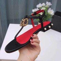 2021 роскоши дизайнерские сандалии женские пляжные Обувь теленок кожа классические аппаратные пряжки жемчужные каблуки модные платформы тапочки размером 35-43 с коробкой