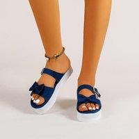 Robe Chaussures LSPU Pantoufles Mesdames Summer Mode Plus Taille Bowknot Plage Solid Slip Sandal Sandals à boutons à côtes à côtes