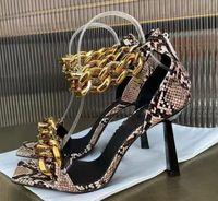 خط واحد مفتوح تو الصنادل عالية الكعب الصيف الذهب سلسلة رقيقة بكعب أحذية حزب المرأة رئيس الأفعى مثير أحذية واحدة مع مربع والغبار