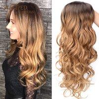 24Inch Natürliche lange lockige Perücke Ombre Blonde Hitzebeständige Haar Mittelteil Synthetische Perücken für Frauen