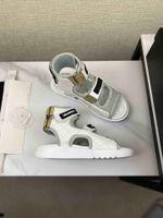 Sommer Damen Luxus Designer Sandalen Mode Top Qualität 7 Farben Echtes Leder Hakenschleife Flat Heeel 35 bis 40