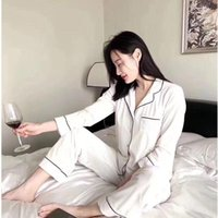 Mulheres duas peças calças 2021 Veludo pijama senhoras manga longa terno para inverno web celebridade marca casa roupas