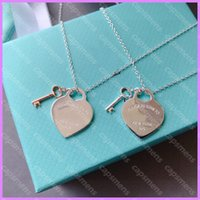 Haut Quality Dame Pendentif Collier Femmes Designer Collier Luxurys Designers Bijoux Heart Key Clé Gold Silver Love Mens cadeau D217314F