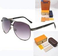 Lunettes de soleil lunettes de soleil 9017 accessoires fleurs couleurs boîtes cadeaux Clair Lentille 0 degrés Designer Hommes Ordinateurs Extérieur Shades PC Cadre Mode Classic Dame Miroirs pour femmes