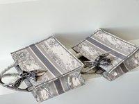 النساء المصممين الفاخرة كتاب حمل حقائب النمر التطريز حقيبة يد المرأة حقيبة سعة كبيرة تنقل أكياس قماش 2021