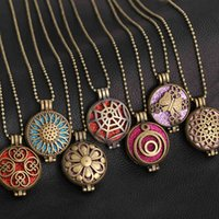 New Aromatherapy Vintage Flower Butterfly Open Locket Aroma Pendant Perfume Essential Oil Diffuser Necklace