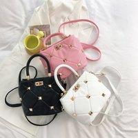 OUtlet Fashion women's bag 2021 summer trend rivet texture lattice Single Shoulder Messenger Bag designers handbag yw