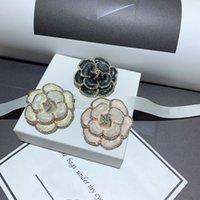 أزياء كاميليا مصمم بروش حجر الراين حرف ج دبابيس مع بطاقة ورقة