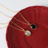 ماء المقاوم للصدأ الرقبة مجوهرات النساء 18 كيلو سلاسل الذهب المختنق القلائد للنساء البيضاوي الأسود الأبيض أوبال الحجر المعلقات