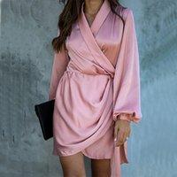 Женщины Satin V-образным вырезом фонарь Рукава платье элегантные эластичные талии пояса мини-вечеринка платье 2021 весенние повседневные модные офисные платья