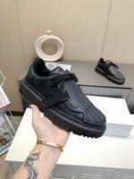 Zapato casual Retro Designer Sneakers Men Zapatos de lujo Classical Black Designers Sneaker Chaussures