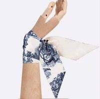 2021 D2 مصممون ميتزا 100٪ الحرير الطبيعي وشاح الأزياء عقال العلامات التجارية النساء حشو كاتم الصوت العصابات الشعر 105 * 6 سنتيمتر