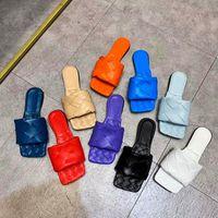 2021 المصممين النساء النعال مفتوحة تو الصنادل المسطحة المنسوجة تنزلق أعلى جودة أحذية أزياء الصيف مع صندوق وكيس الغبار