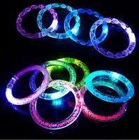 50 PCS / lot 여러 가지 빛깔의 LED 깜박이는 팔찌 빛 파티 바 할로윈, chiristmas, 뜨거운 댄스 선물 2016 새로운 아크릴 팔찌