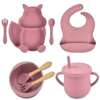 8pcs set Baby Silicone Dining Plate With Sucker Sippy Cup Set Food Grade Kitchenware Children's Tableware Compartment Dishes 210928