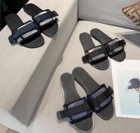 2021 Designer Sandalen Sommer Flache Slipper Mode Strand Frau Große Kopf Buchstaben Hausschuhe mit Box