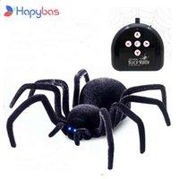 Elektronik Pet Uzaktan Kumanda Simülasyonu Tarantula Gözler Parlatıcı Akıllı Siyah Örümcek 4CH Cadılar Bayramı RC Tricky Prank Korkunç Oyuncak Hediye 210928