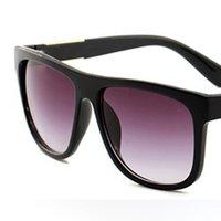 نظارات شمسية مصمم فاخرة للرجال والنساء الصيف أزياء uv حماية نظارات عالية الجودة القيادة سائق نظارات النظارات