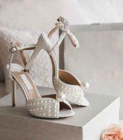 Marcas de lujo de verano Sacora Vestido Zapatos de perlas blancas Bombas de cuero Lady Stiletto Heel Tellal Correa nupcial Boda EU35-43.