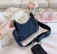 Luksusowy projektant nylonowy torba na ramię, wysokiej jakości torby damskie, torebka z łańcuchem mody, najlepiej sprzedający się portfel Lady, cztery kolory są dostępne z pudełkami