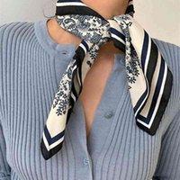 2020 새로운 실크 스퀘어 풀라드 레이디의 목 스카프 디자인 가방 스카프 머리띠 Kerchief 패션 여성 소녀 헤어 밴드